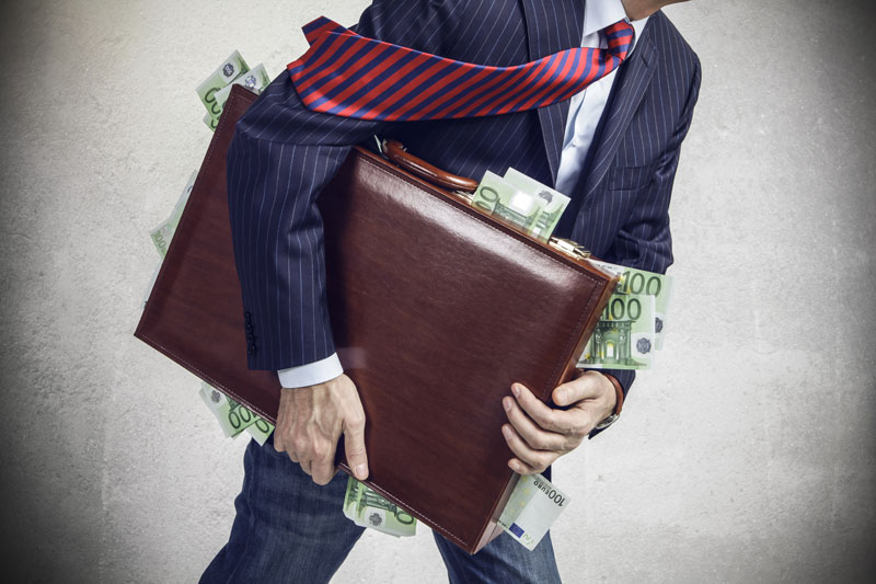 Should bankers' bonuses be uncapped in order to boost performance?
